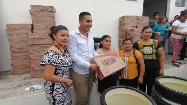 Asegura Gustavo Díaz Rosas, que su padre ha sido su motivación para involucrarse en la política