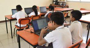 Fortalece IEEPO inclusión de las TIC's en la educación básica de la entidad
