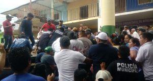 Por encarcelarlo, Presidente Municipal de Ayotzintepec demandó a su cabildo