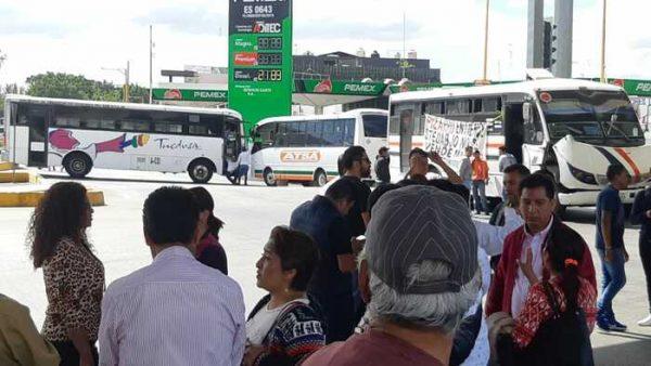 STEUABJO retiene al menos 20 unidades para bloquear, desquicia tráfico en Oaxaca