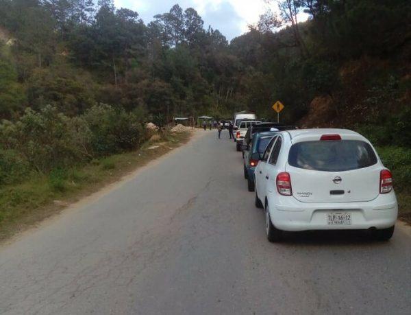 Detienen a presidente de Yaitepec, habitantes bloquean paso a Juquila