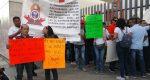 Entre gritos e insultos se suspende comparecencia del secretario de salud