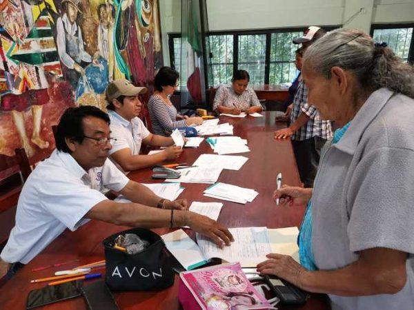 Entrega Gobierno Federal apoyo económico a productores de maíz en San José Chiltepec
