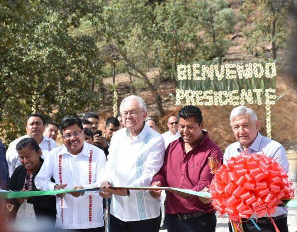 Desde el municipio más pobre del país se escribirá la nueva historia de México: Adelfo Regino Montes