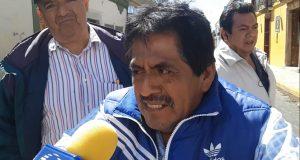 Maestros de Tuxtepec piden nueva delegación de secundarias, por segundo día bloquean edificio de la 22