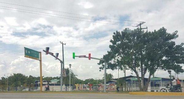 Cambian semáforos en Tuxtepec, son modelos más atrasados pero más funcionales, aseguran autoridades