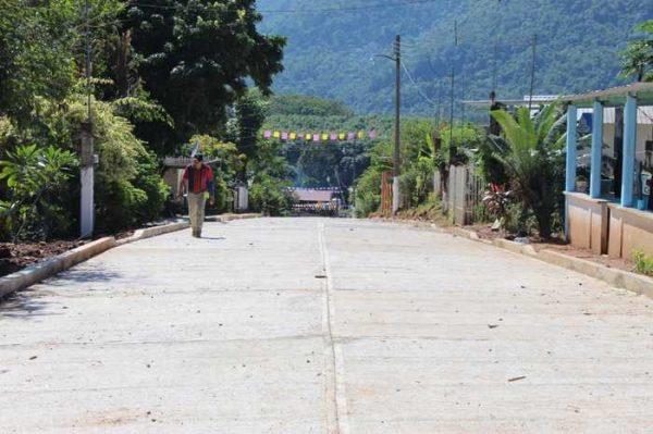 Realiza edil de Chiltepec, recorrido por obras en proceso en el municipio