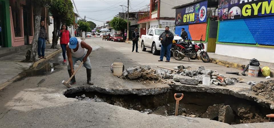 Surgen más socavones, detectan alrededor de 8 en casco urbano de Tuxtepec