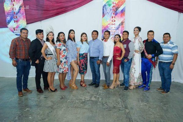 Presentan a candidatos para reyes de la alegría de la Feria Valle Nacional 2020