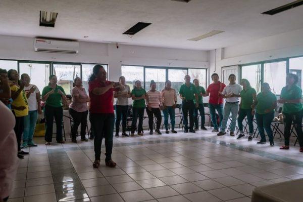 Capacitan a maestros de Tuxtepec, ante situaciones de riesgo en escuelas