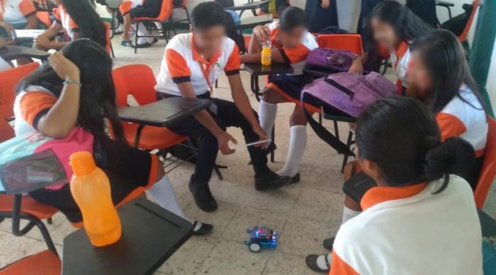 Motivan a jóvenes estudiantes en la Costa de Oaxaca