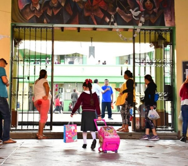 Recomienda IEEPO a escuelas reforzar medidas de seguridad para la entrada y salida del alumnado
