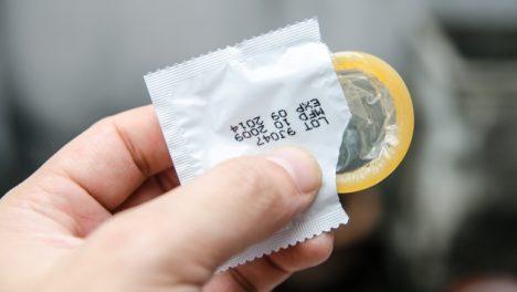 En Día internacional del condón, recomiendan usarlo para disminuir ITS