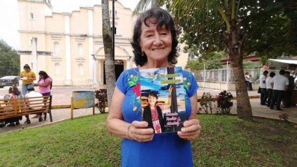 """Presentará Colombiana su libro """"Mi despertar Chinanteco"""" dedicado a Valle Nacional"""