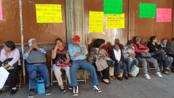 Jubiliados se instalan en huelga de hambre para exigir diálogo con Murat