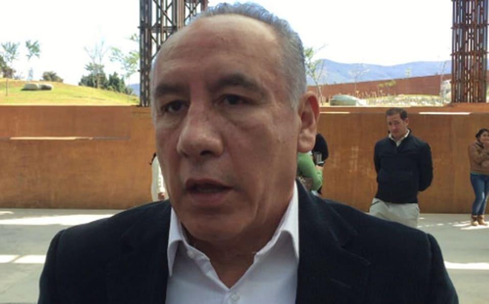 """""""Yo no quiero consejos municipales de PC de papel"""": Heliodoro Díaz"""