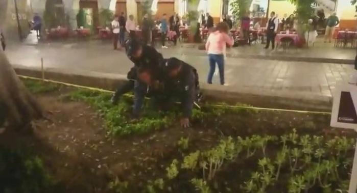 Policía Municipal de Oaxaca envuelta en escándalo de abuso de fuerza, autoridades lo niegan