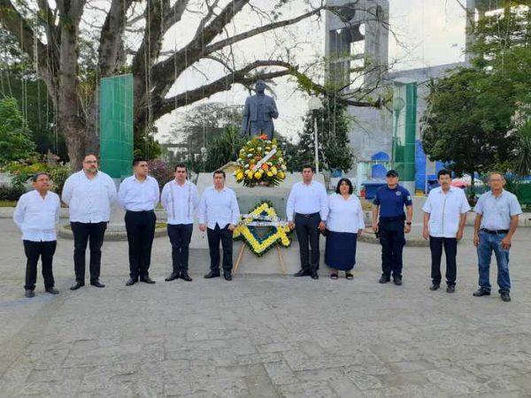 Conmemora Gobierno de Tuxtepec 214 aniversario del natalicio de Benito Juárez