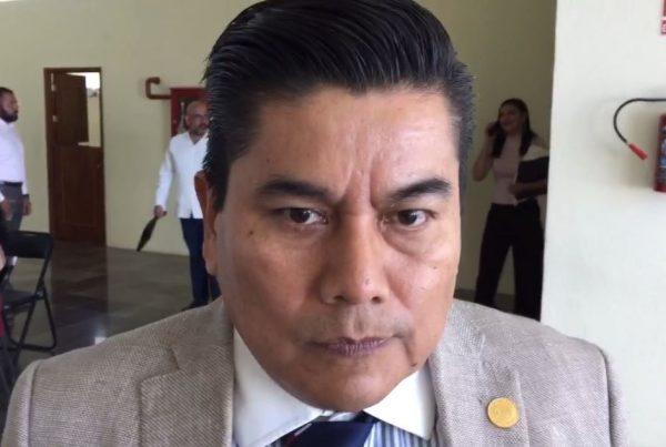 """No se puede estar """"importando"""" gente para integrar el gabinete: César Morales"""