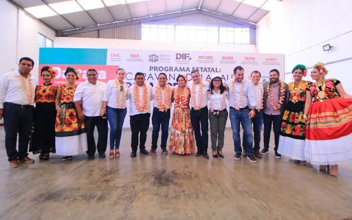 Caravana DIF recorre Oaxaca sin descanso