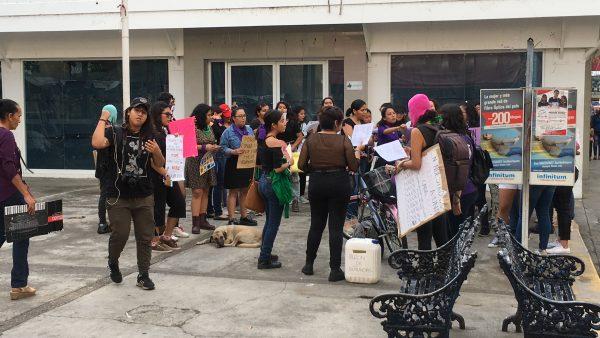 Alrededor de 50 mujeres marcharon en Tuxtepec por el 8M