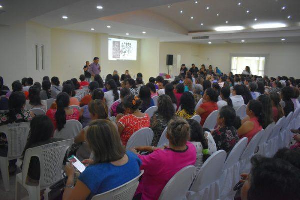 La grandeza de México se debe a la mujer: Irineo Molina