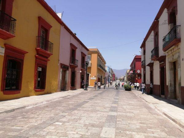 Calles vacías y pocas ventas en calles de Oaxaca por Covid-19