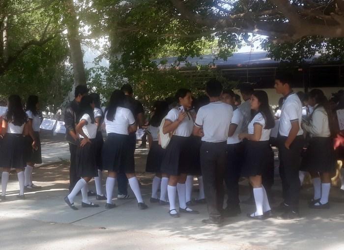 Brinda atención integral Cobao a estudiantes del plantel 02 Espinal