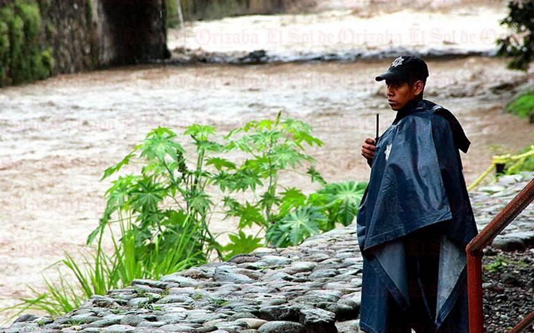 Pese a lluvias, descartan entrada de nuevo frente frío en Veracruz