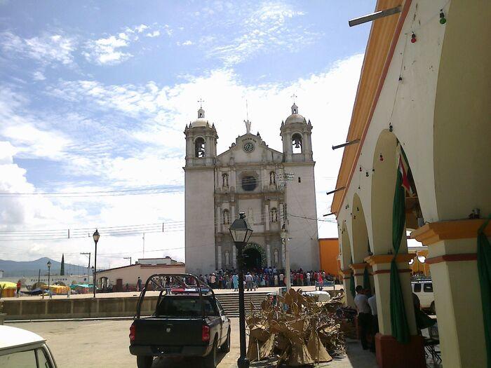 Declaran toque de queda en Ejutla de Crespo; violaría derechos humanos
