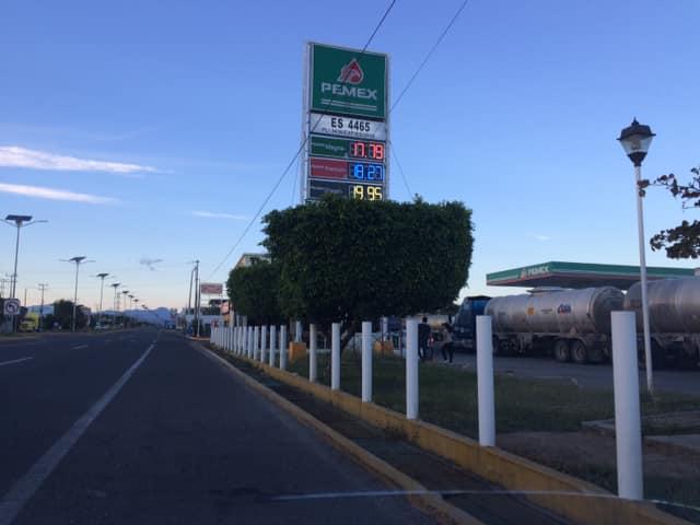 Baja el costo de gasolina en el Istmo