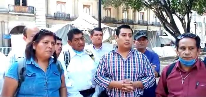 Meseros independientes de Oaxaca piden ayuda de gobiernos