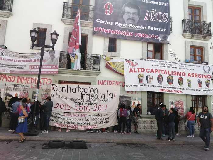 Cumplen normalistas 3 semanas de movilizaciones en la capital