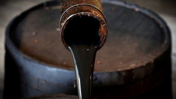 Precios del petróleo caen un 10 % por el fracaso de la OPEP para alcanzar acuerdo sobre