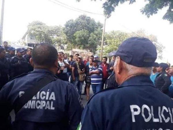 Policías Municipales de Salina Cruz amenazan con paro de labores