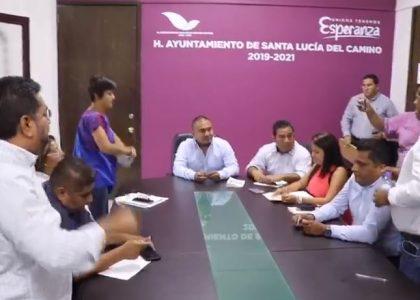 Truenan regidores contra Presidente de Santa Lucía, lo acusan de desvío de recursos