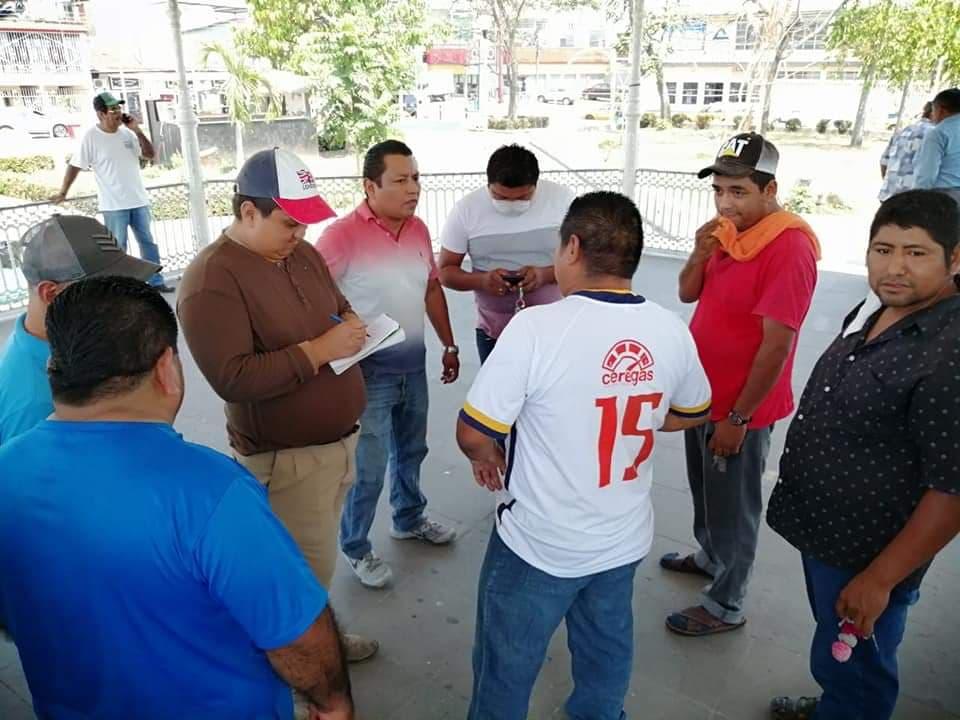 Taxistas de Tuxtepec con ganancias de 50 pesos; piden a concesionarios que les bajen la cuenta