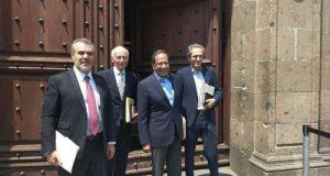 Empresarios se reúnen con AMLO para proponerle plan de rescate