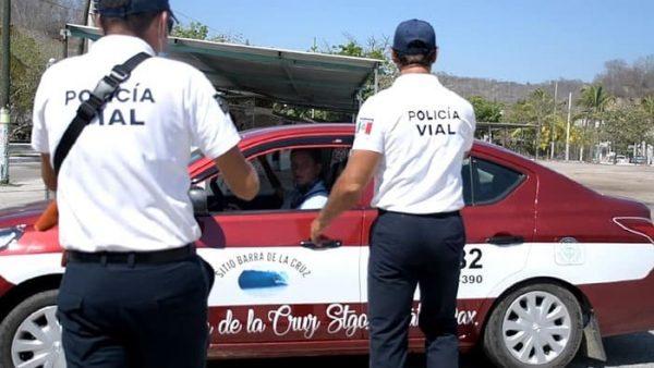 Policía de Huatulco, instala filtros de seguridad por contingencia sanitaria