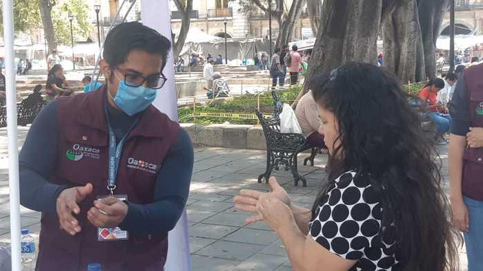 Instala SSO, módulo de información en zócalo de Oaxaca para evitar propagacion de Covid-19