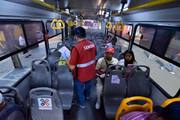 Se supervisan más de 3 mil unidades del transporte público de Oaxaca, en operativos sanitarios