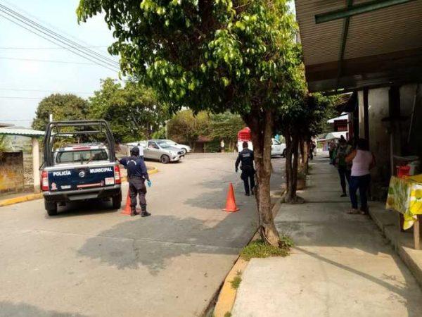 Como medida de prevención en San José Chiltepec, los accesos permanecerán cerrados hasta nuevo aviso