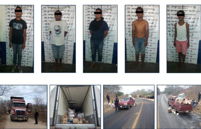 Asegura Policía Estatal a personas que saquearon tráiler de abarrotes en Pochutla
