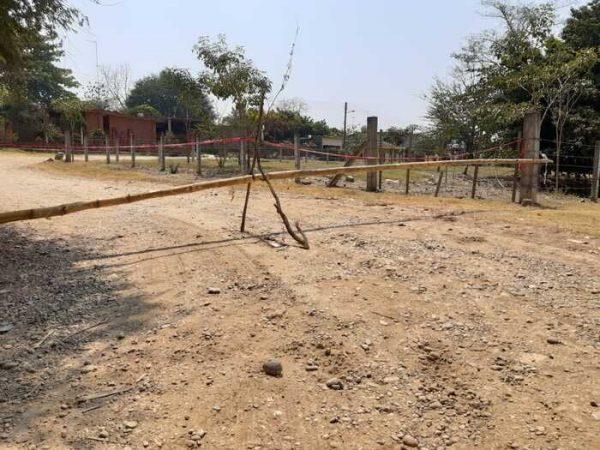 Cierran acceso a Ayotzintepec, a pesar de no tener casos de covid