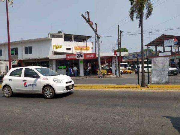 Ante negativa de comerciantes de Tuxtepec en cerrar, vuelven a hacer operativos
