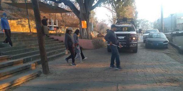 Vecinos exigen al Gobernador Alejandro Murat, cierre acceso a escaleras del auditorio Guelaguetza