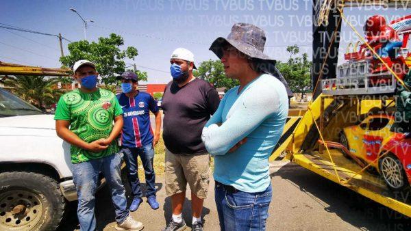 Ferieros se manifiestan en Oaxaca, se ofrecen para realizar actividades de albañilería y carpintería