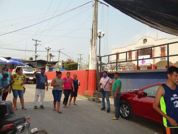 Instalan filtros de sanitización en accesos de Jalapa de Díaz