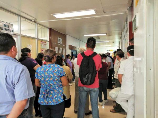 Personal del IMSS de Tuxtepec, exigen insumos para trabajar