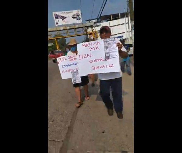 En Tuxtepec familiares y amigos de Itzel, marchan exigiendo aparición